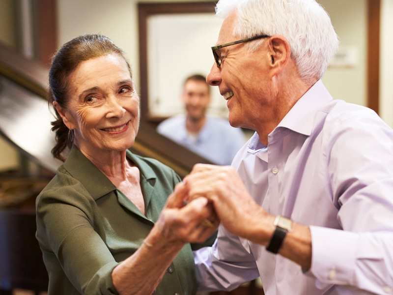 4 Ways to Support a Friend Whose Spouse has Dementia