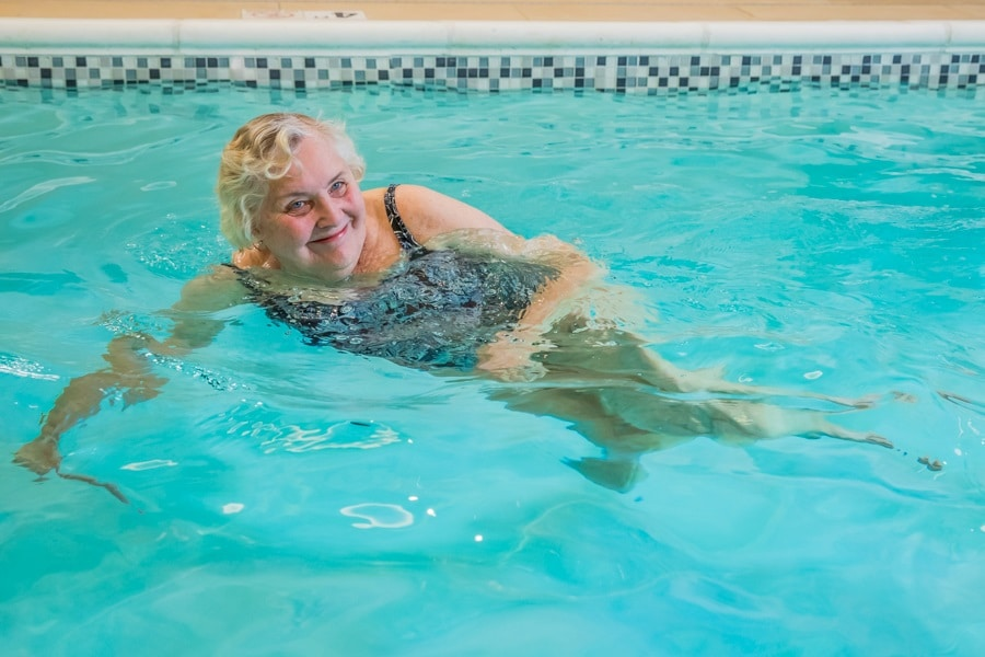 swim in pool