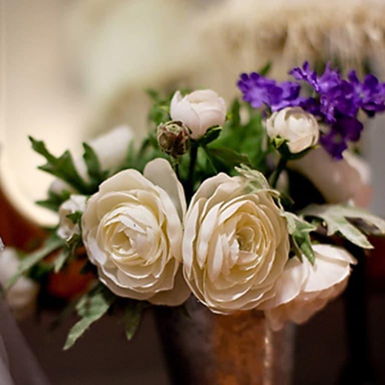 vase of floweres