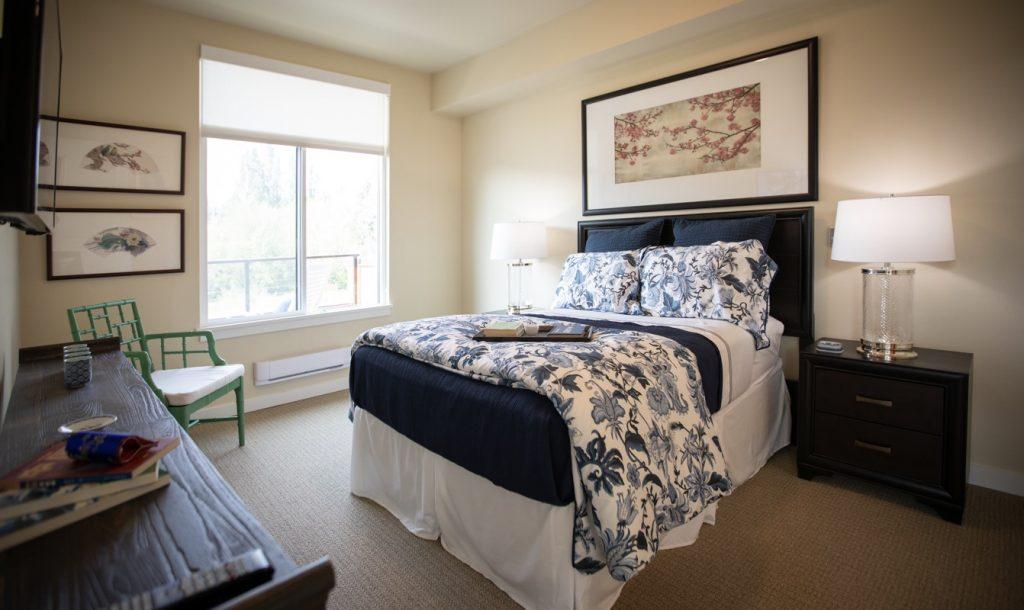 blue floral bedroom gardens
