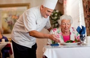 What to expect of dining in assisted living