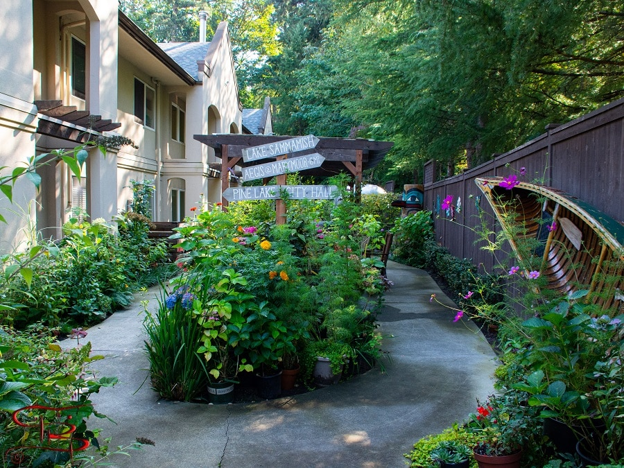 Marymoor LN courtyard